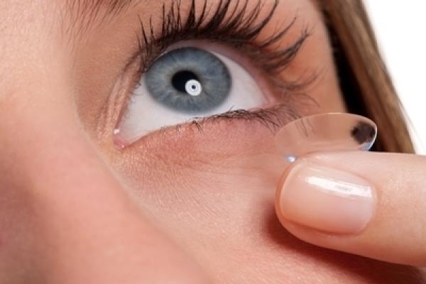 隱形眼鏡的圖片搜尋結果